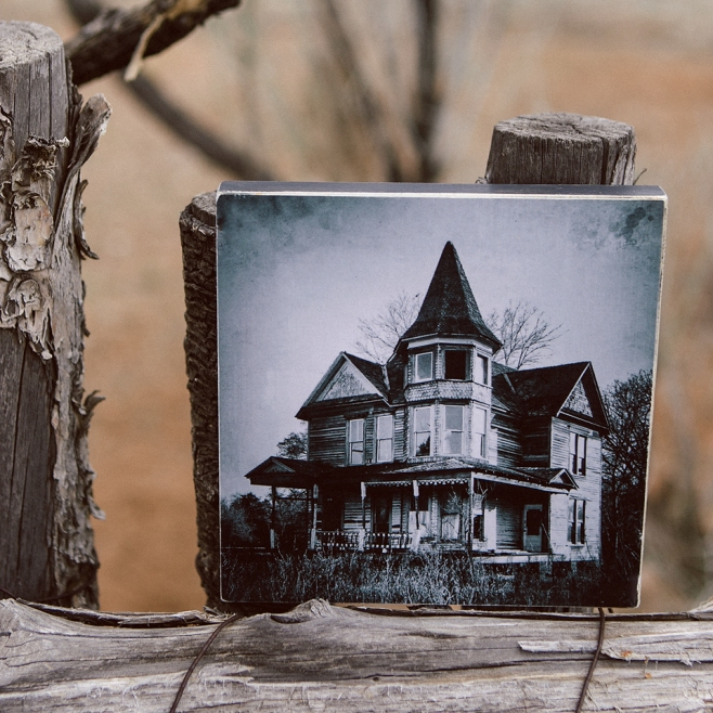 victorian house wood block front