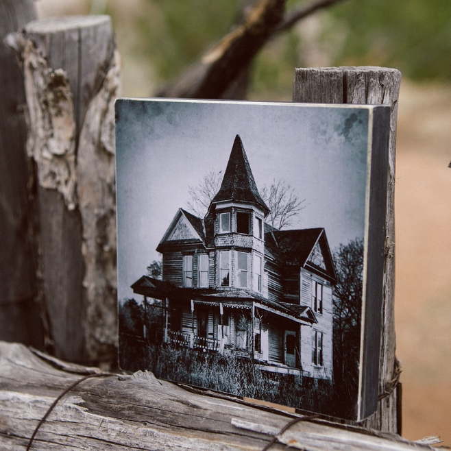victorian house woodblock side
